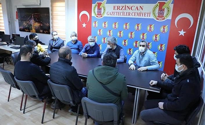 Vali Mehmet Makas'tan, Gazeteciler Cemiyetine Ziyaret
