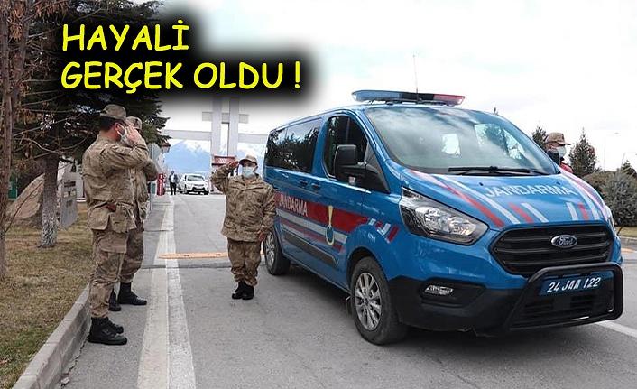 Down Sendromlu Ahmet, Asker Oldu