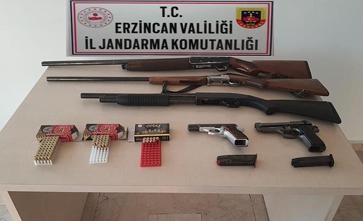 Ruhsatsız tabanca ve av tüfeği ele geçirildi