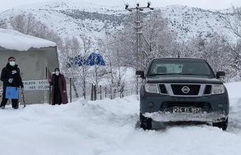 Kar yağışı Kovid-19'un Savaşçılarını Durduramadı