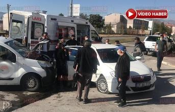Araçta sıkışan yaralıyı AFAD ekipleri kurtardı