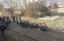 Erzincan'da, bir evde 52 kaçak göçmen yakalandı!
