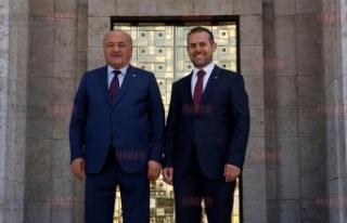 Ak Parti Erzincan Milletvekillerinden Esnafa Destek...